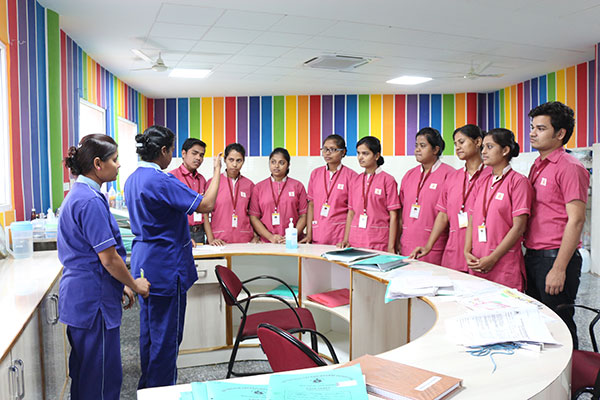 MSc-Nursing-students-training-under-skilled-nurses